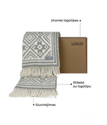 Personalizuotas natūralios vilnos Klaipėdos krašto etno raštų pledas su dovanų dėžute