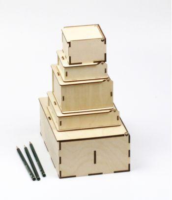 Medinė kvadratinė dovanų dėžutė D2 M
